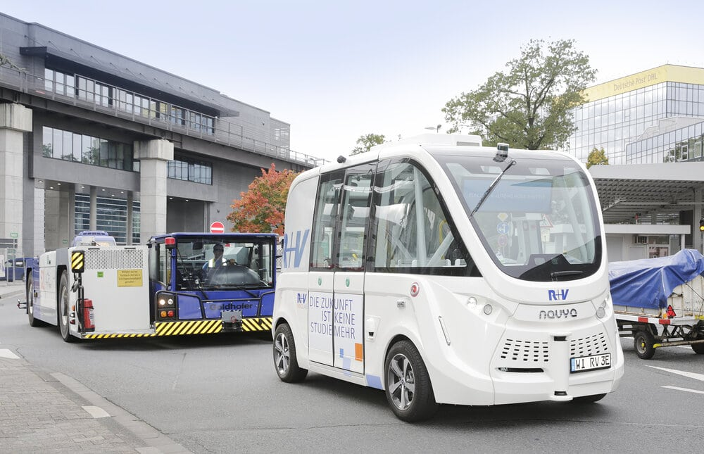R+V: Prototypen fahrerlose Shuttlebusse